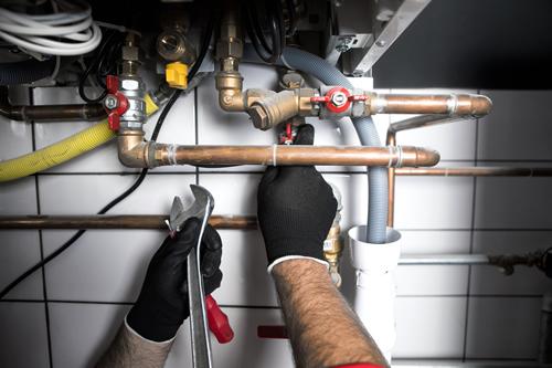 Hiring Local Plumbers for Plumbing Repair Projects